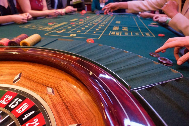 Online Casinos: An Industry for Everyone - Industry Today %