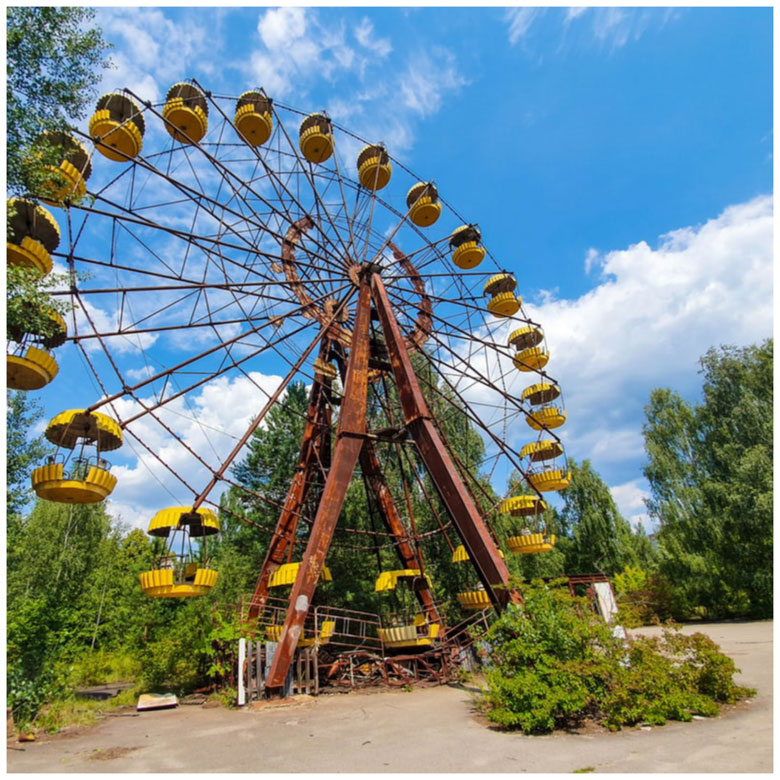 circle overview ferris wheel pripyat amusement park chernobyl