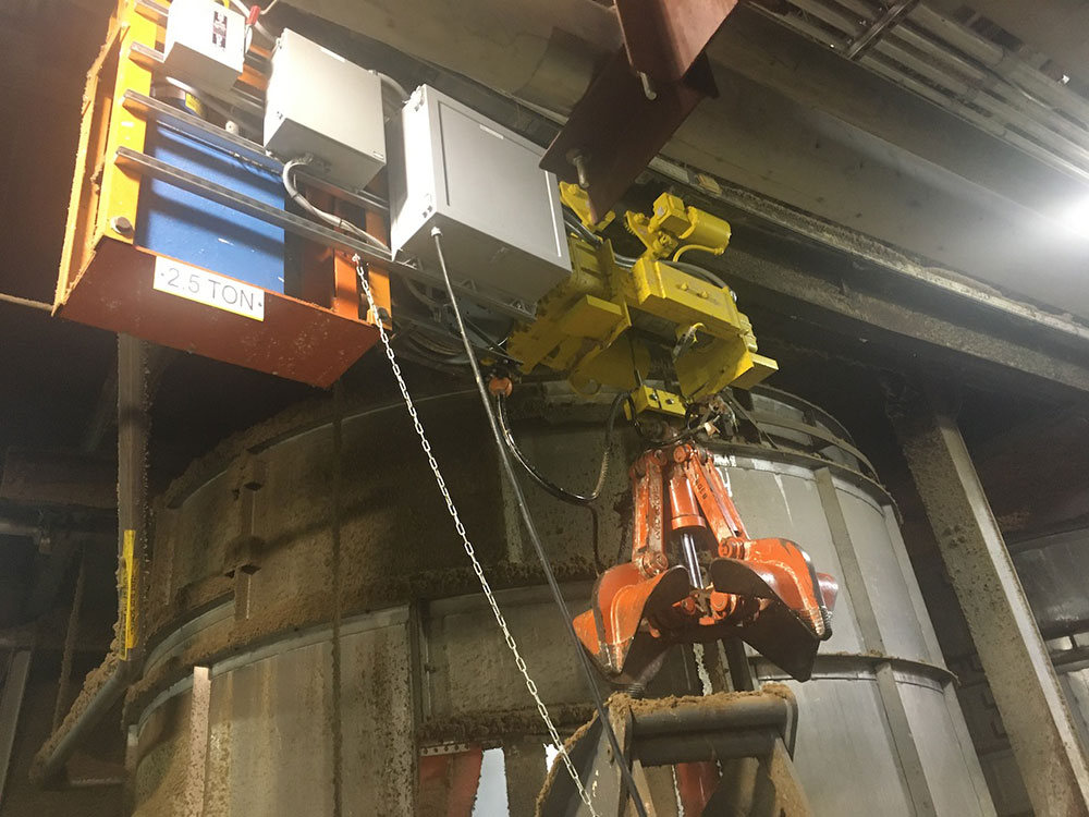 HCSG utilized swaged clevis fittings, facilitating easy installation and removal of the grapple from the hoist when needed for maintenance.