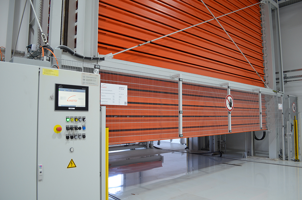 The UNITOWER offers space for 100 cassettes that can hold materials up to 6.5 metres in length.