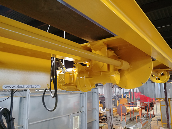 Electrolift designed a 2-ton capacity twin-hook hoist with a rigid (lug) mount to the beam.