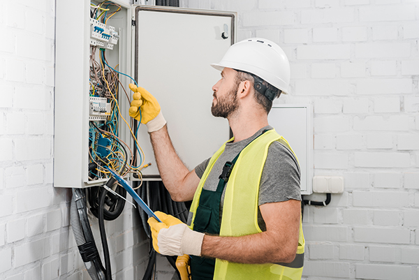 hiring professional electrical services