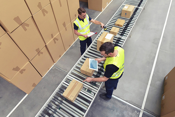 Advanced technologies allow warehouse employees to gain stronger insights into the supply chain.
